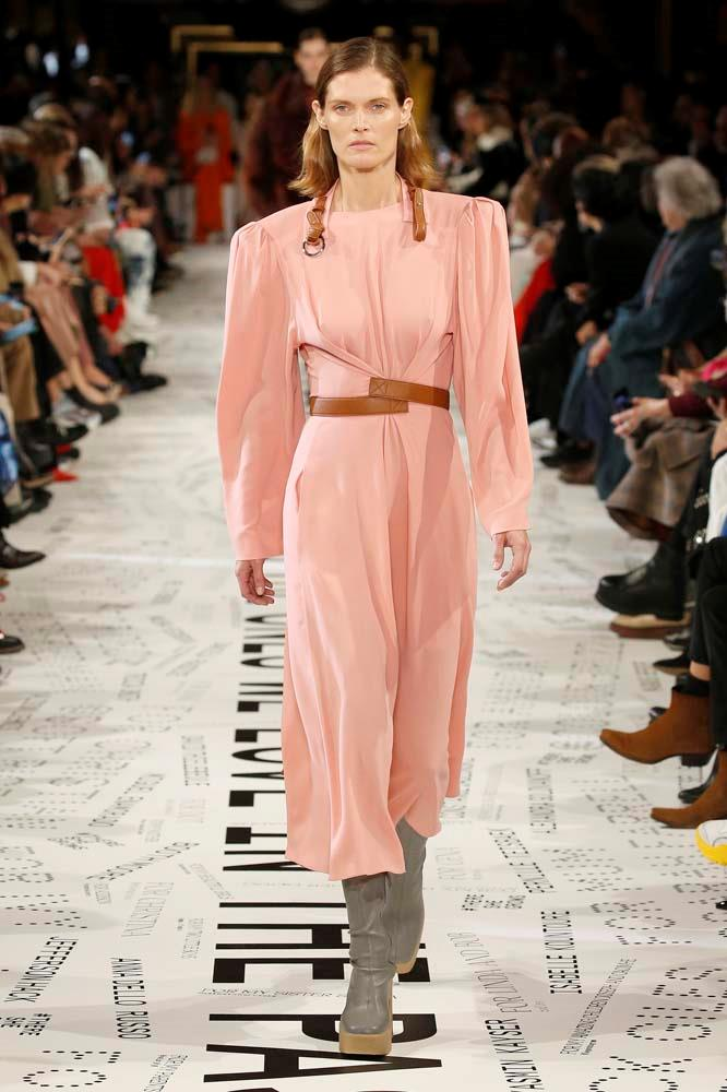 ***Bold Shoulder***<br><br> An '80s redux, designers were embracing the bold, structural shoulder for new collections.<br><bR> Stella McCartney autumn/winter '19.