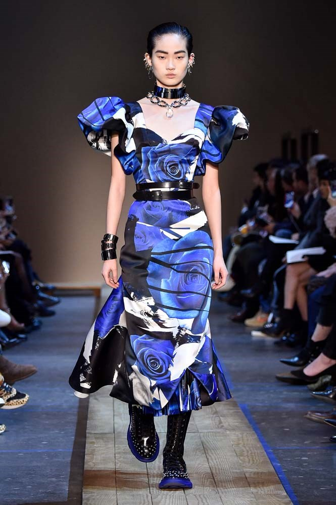 ***Groundbreaking Florals***<br><br> Give florals a punk-rock edge by opting for a blown-out print and adding bold details.<br><br> Alexander McQueen autumn/winter '19.