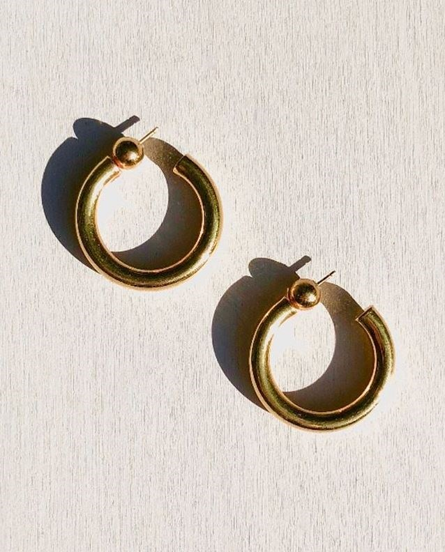 """**An Everyday Hoop Earring** <br><br> More exciting than a stud but far from impractical, a small but perfectly formed hoop earring is an elevated everyday piece. O'Neill favours designs by LA-based designer Sophie Buhai. <br><br> *Image: Instagram/[@sophiebuhai](https://www.instagram.com/p/Bag3Qt8gRXU/ target=""""_blank"""" rel=""""nofollow"""")*"""