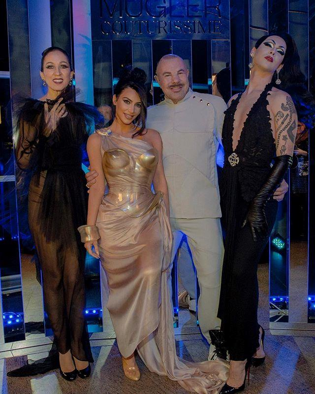 Chachki with Pat Cleveland, Kim Kardashian West and Thierry Mugler at the designer's retrospective exhibition, February 2019. *Image: @manfredthierrymugler*