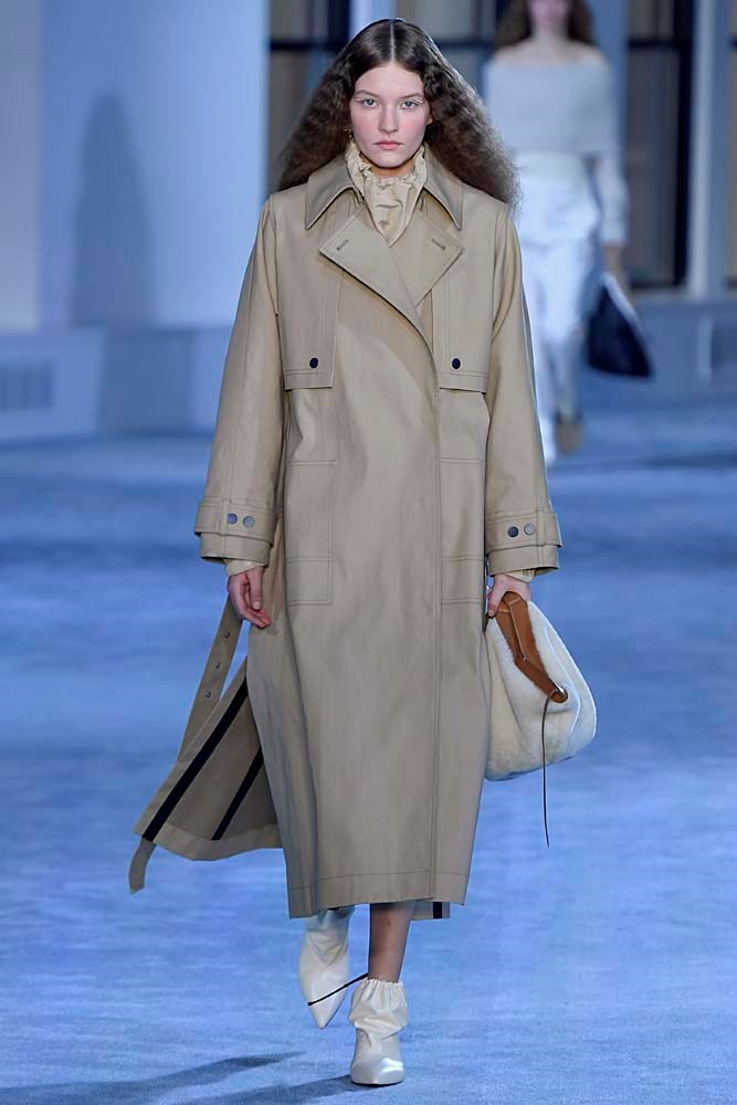 """***The Beige Trench Coat***<br><br> It would be an understatement to say the trench coat isn't new—in fact, it's what many refer to when they think of 'coats.' But this season, the key is the perfect shade of wearable beige (it is the [colour of the season](https://www.harpersbazaar.com.au/fashion/beige-fashion-trend-2019-18317