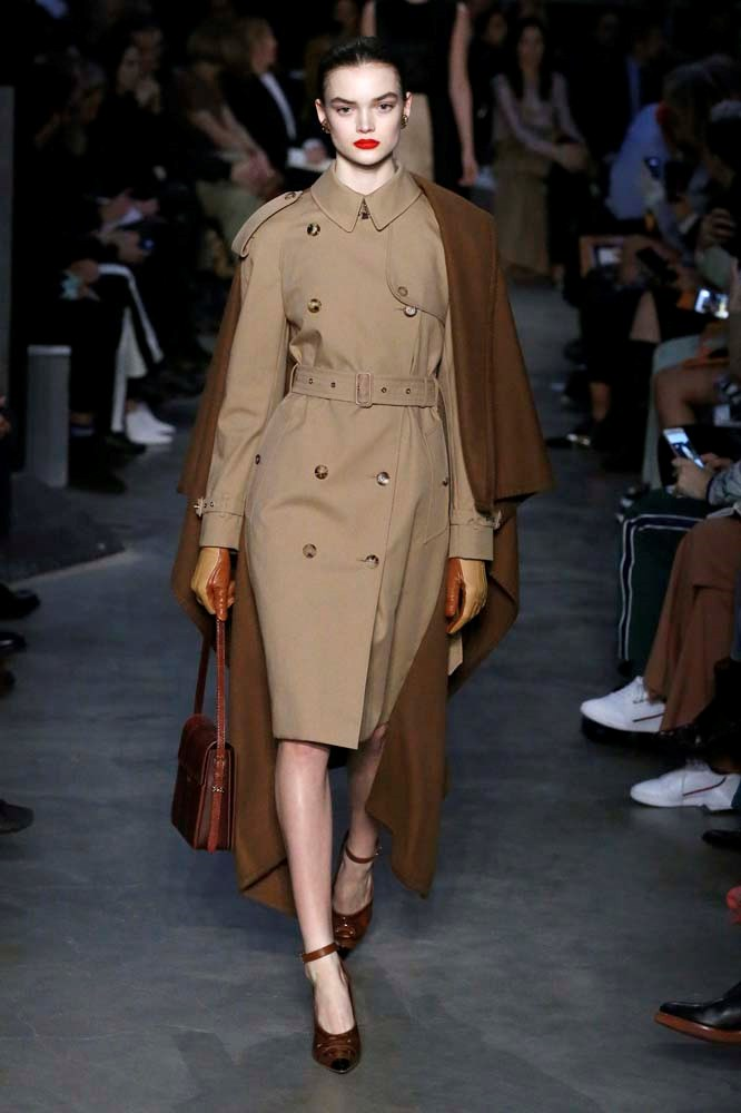 ***The Beige Trench Coat***<br><br> *Pictured: Burberry autumn/winter '19.*