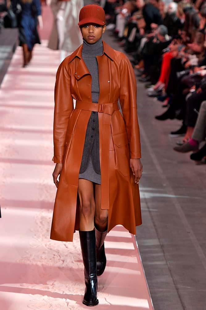 ***The Well-Fitted Leather Coat***<br><br> *Pictured: Sportmax autumn/winter '19.*