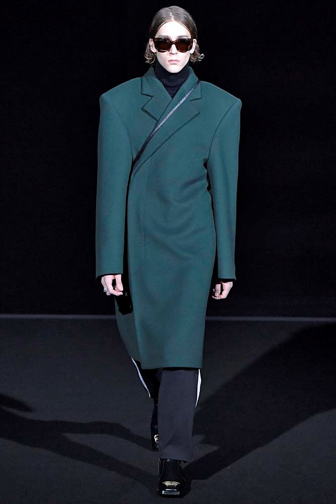 ***A Bold-Shouldered Duster***<br><br> *Pictured: Balenciaga autumn/winter '19.*