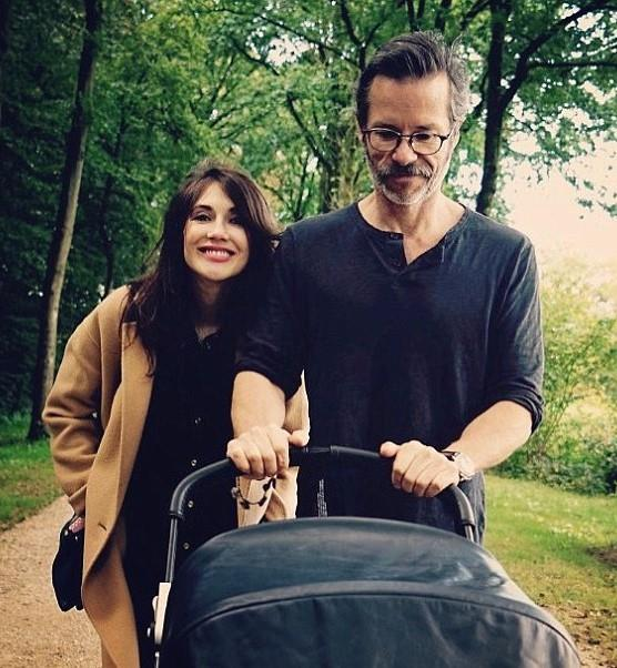 """**Carice van Houten and Guy Pearce** <br><br> Van Houten, who plays Melisandre in *Game of Thrones*, welcomed her first child with Australian actor Guy Pearce in 2016. Though they are not married, the actors have been together since 2015, but you won't see a trace of them on each other's social media accounts. Pearce, however, publicly thanked his partner in a post on his website at the time of his album release, writing:  """"Especially a big loving thank you to Carice van Houten and our darling boy Monte, whose arrival in our world came right in the middle of this record. You've both changed my life forever and for the better."""""""