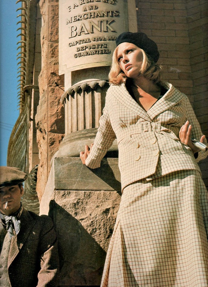 "***BONNIE AND CLYDE* 1967** <br><br> Although it was arguably an overly glamourised portrayal of the [real-life story](https://www.harpersbazaar.com.au/culture/the-highwaymen-bonnie-and-clyde-true-story-18488|target=""_blank"") of 1930s bank-robbing duo Bonnie and Clyde, it's hard to fault Faye Dunaway's impeccable 1930s style, from her iconic berets, to her bouncy blonde bob and her coordinated skirt-suits."