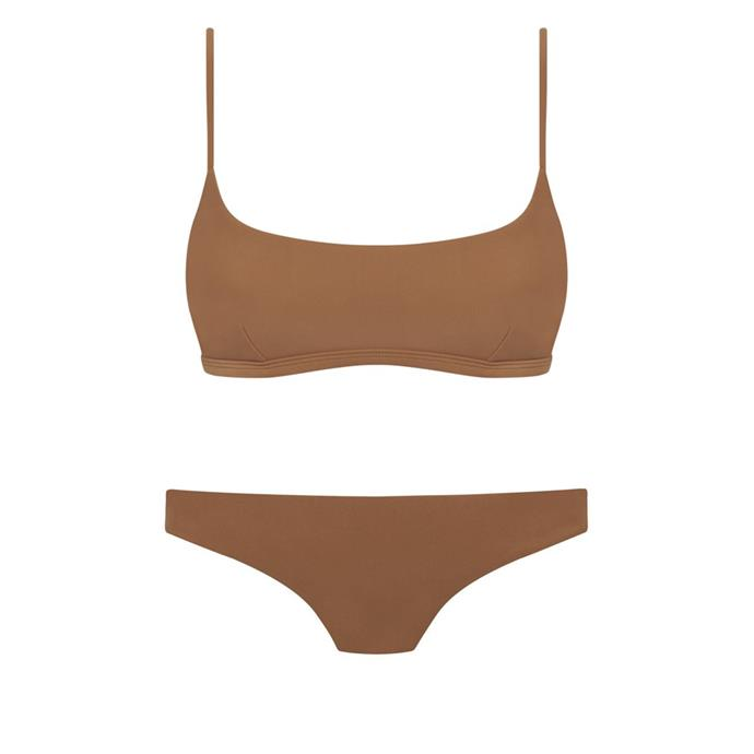 """***A great bikini***<br><br> Although packing multiple swimsuits is never a bad option, we suggest investing in one great pair to act as your mainstay. Go for a neutral shade in almond, tan, black or grey, or something moody like olive green, deep terracotta or navy blue.<br><br> [Top](https://matteau-store.com/collections/spring-summer-2018/products/spring-summer-2018-the-crop-top?variant=2058033168394