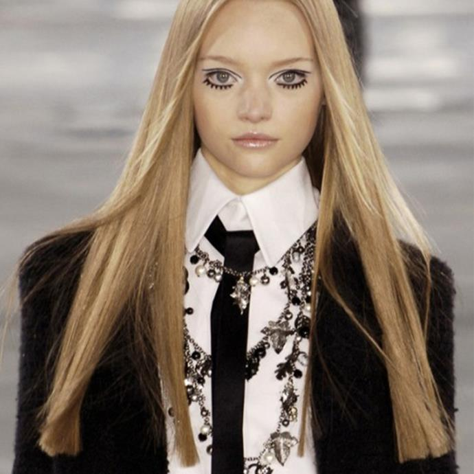 Gemma Ward on the runway, Chanel Fall 2005 ready-to-wear.
