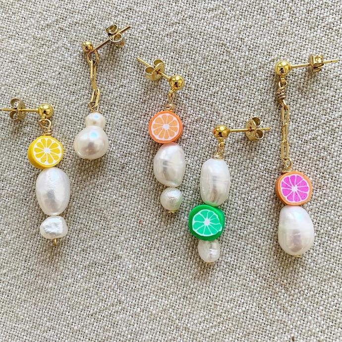 """***Enesea Jewellery*** <br><br> A brand only purchasable through Instagram DM (welcome to the 21st century), Enesea's vacation-ready jewels are worth the slide. The classic pearl pieces are paired with unexpected fruit beads, gold-edged shells and gemstone-studded stones. <br><br> Shop [here](https://www.instagram.com/eneseajewellery/