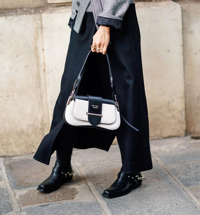 **A smart smaller handbag**