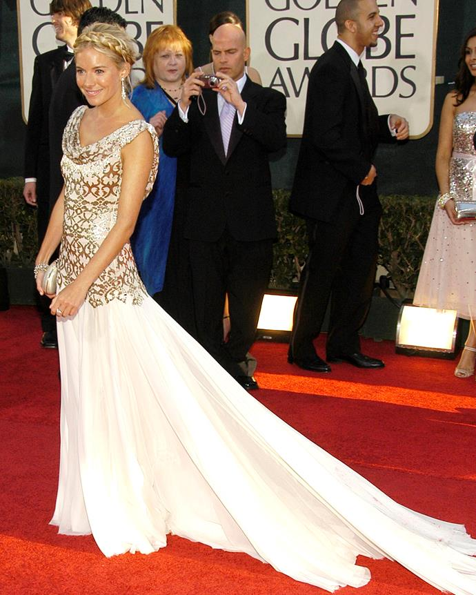 Sienna Miller wearing a Marchesa gown at the 2007 Golden Globe Awards.