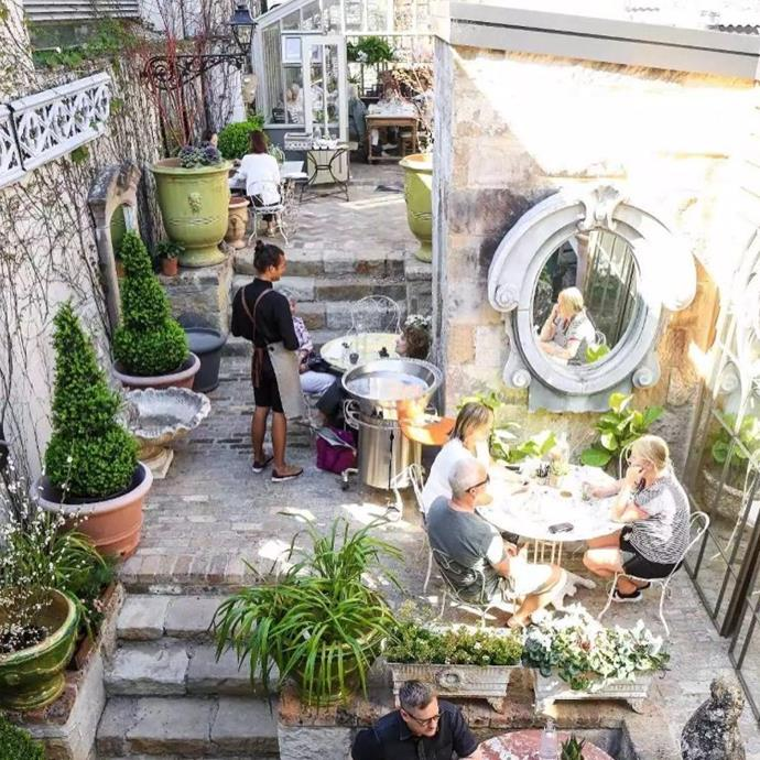 "**[Parterre](https://www.parterre.com.au/pages/cafe-parterre|target=""_blank""