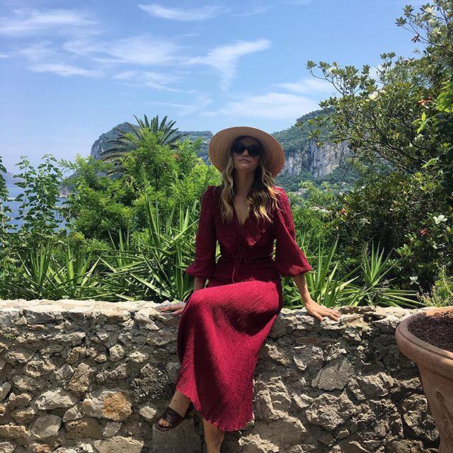 "Gemma Ward in Positano. <br><br> *Image: Instagram [@gemma](https://www.instagram.com/p/BzSE-QvgVUy/|target=""_blank""|rel=""nofollow"")*"