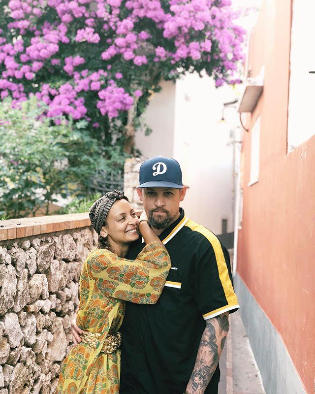 "**Nicole Richie and Joel Madden** <br><br> Richie and *Good Charlotte* singer Madden have been together since 2006, and married in 2010. They had both of their children—daughter Harlow, and son Sparrow—in 2008 and 2009 respectively, before they tied the knot. <br><br> *Image: Instagram [@nicolerichie](https://www.instagram.com/nicolerichie/?hl=en|target=""_blank""