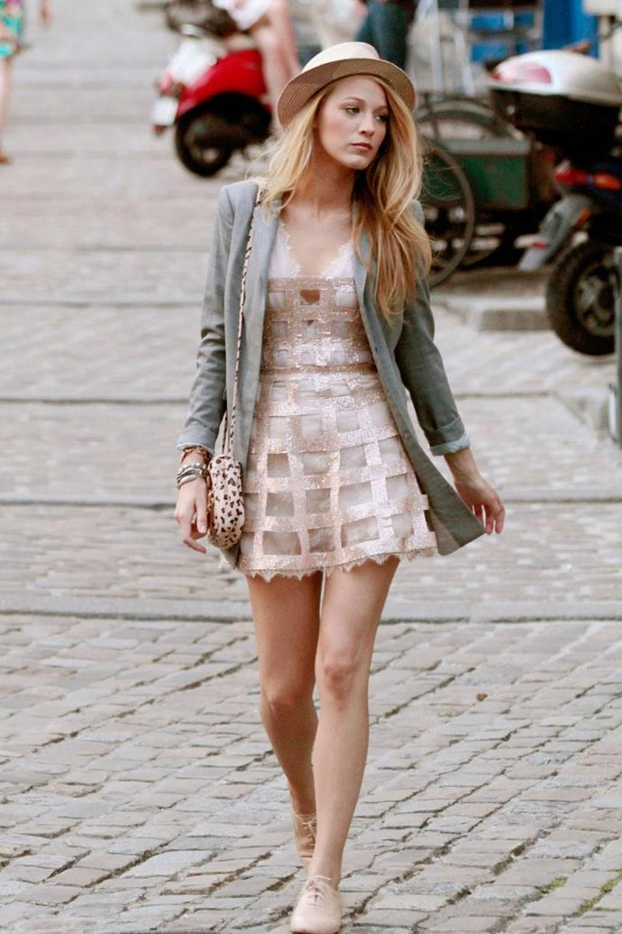 **Her full Paris look:** If you didn't put this on your Pinterest board for your 2011 Euro trip, were you even a *GG* fan?
