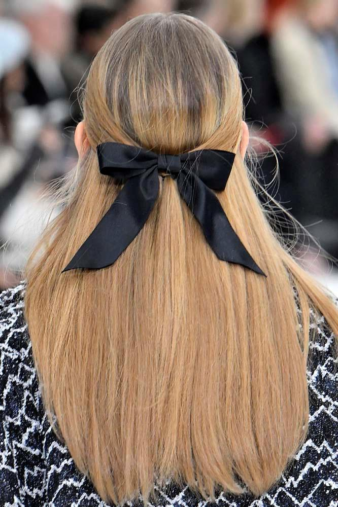 Headbands are so '04. The new guard of private school girls will be in Chanel-esque bows. Clearly.<br><br> *Chanel autumn/winter 2019/2020.*
