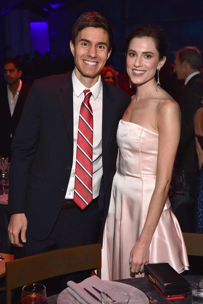 "**Allison Williams and Ricky Van Veen** <br><br> Williams, who's famous for her role on the HBO series *Girls*, married husband Ricky Van Veen in 2015, and split in June 2019 after four years of marriage. While they used to frequently attend high-profile events, *[Page Six](https://pagesix.com/2019/06/27/allison-williams-and-husband-split-after-4-years-of-marriage/|target=""_blank""