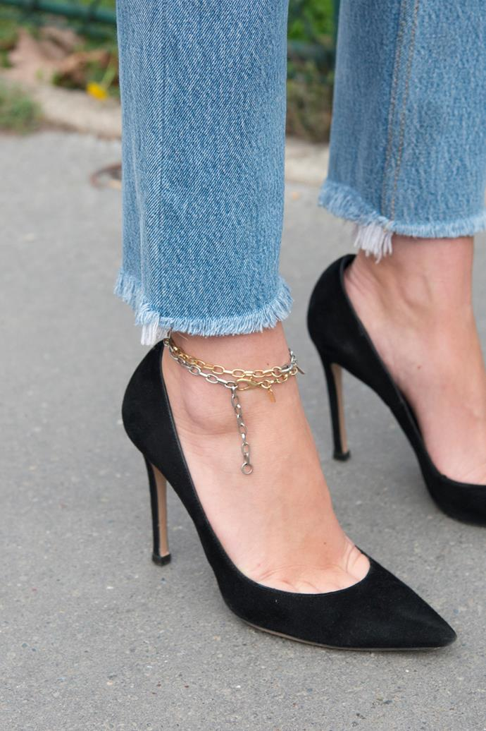***In: Anklets***<br><Br> Subtle, chic and just a little off-beat, anklets are due to make a splash in the fashion world come 2020. And it's no surprise. Adding a string of pearls or a thin chain around the ankle bone elevates even the plainest of footwear.