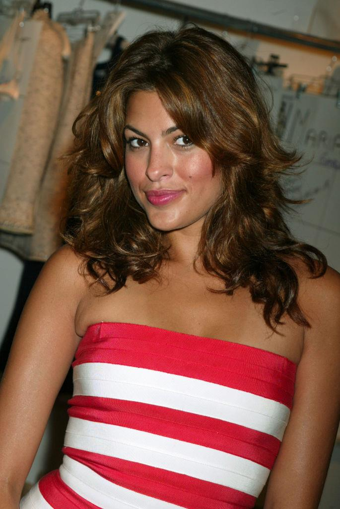 **2004: Eva Mendes' tousled layers**<br><br>