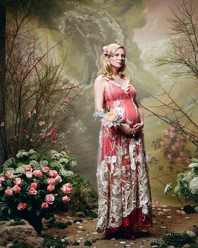 "**Kirsten Dunst** <br><br> Actress Dunst made no official announcement of her pregnancy on social media. Instead, fashion house [Rodarte](https://www.elle.com.au/fashion/kirsten-dunst-baby-bump-rodarte-15723|target=""_blank"") shared images from their autumn/winter '18 series featuring Dunst in February 2018, which became the official first photographs of the actress's bump. If we're ranking pregnancy announcements by most fashionable, Dunst's definitely sits top of the list. <br><br> *Image: Instagram [@rodarte](https://www.instagram.com/p/Benk8OUnwoa/