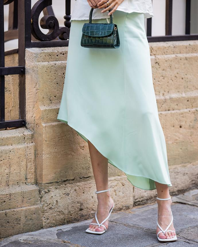 *Strappy sandals*<br><br> While we did see the strappy sandal begin its reign in 2019, courtesy of The Row's 'Barely-There' sandal, this summer's update includes even thinner straps and more whimsical compositions.