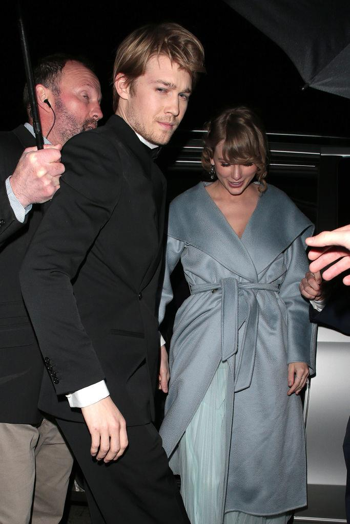 "**Taylor Swift and Joe Alwyn** <br><br> Taylor Swift is one of the most famous women in the world, but her almost-three-year-long relationship with British actor Joe Alwyn remains mysterious as ever. The couple have never made a shared red carpet appearance together, and Swift even arrived late to the [2019 Golden Globes](https://www.elle.com.au/fashion/golden-globes-2019-red-carpet-19606|target=""_blank""