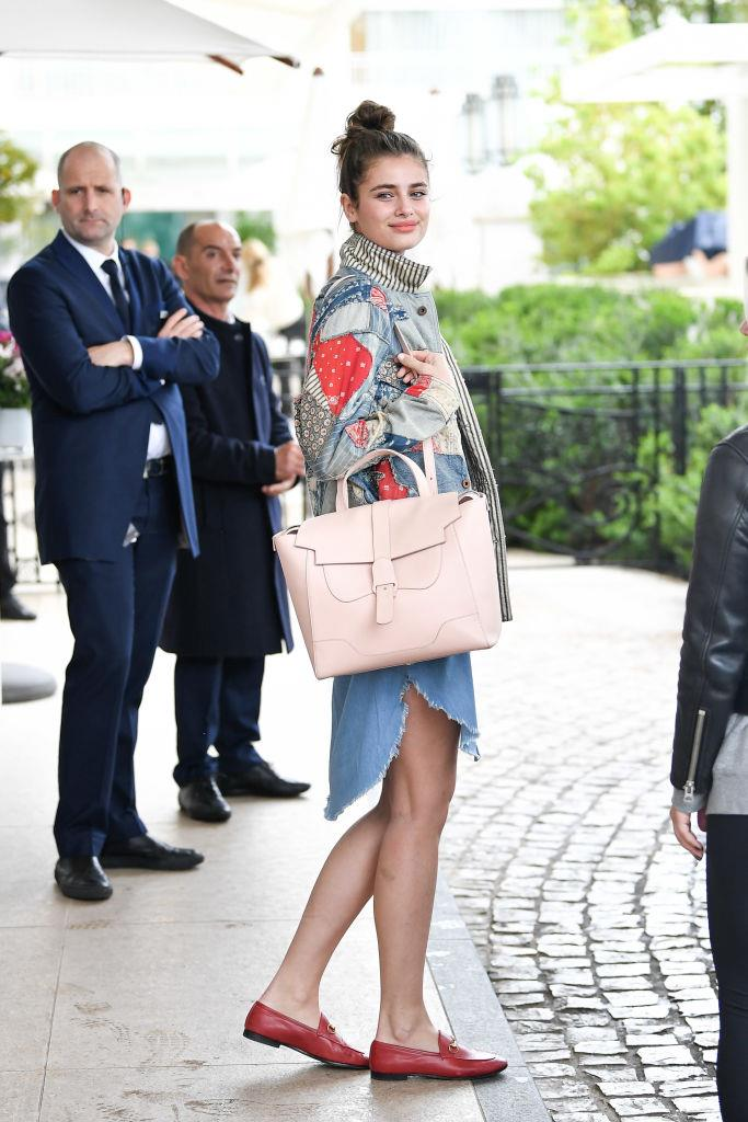 "Taylor Hill carrying the Senreve ""Maestra"" bag in Blush, approximately $1,321, from [Senreve](https://www.senreve.com/products/maestra-bag?variant=29290274291800