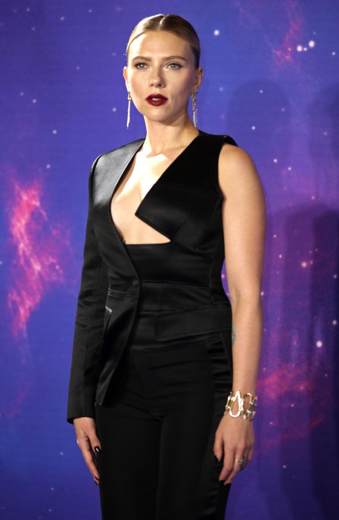 """**Scarlett Johansson** <br><br> Extreme gym sessions are basically compulsory for anyone in the *Avengers* franchise and Scarlett Johansson has certainly racked up her fair share of superhero movies. To prep for her role as Black Widow, Johansson """"trained like an athlete"""", according to her trainer, Eric Johnson, who spoke to *[Harper's BAZAAR](https://www.harpersbazaar.com/uk/beauty/fitness-wellbeing/a27268284/scarlett-johansson-avengers-endgame-training-diet/