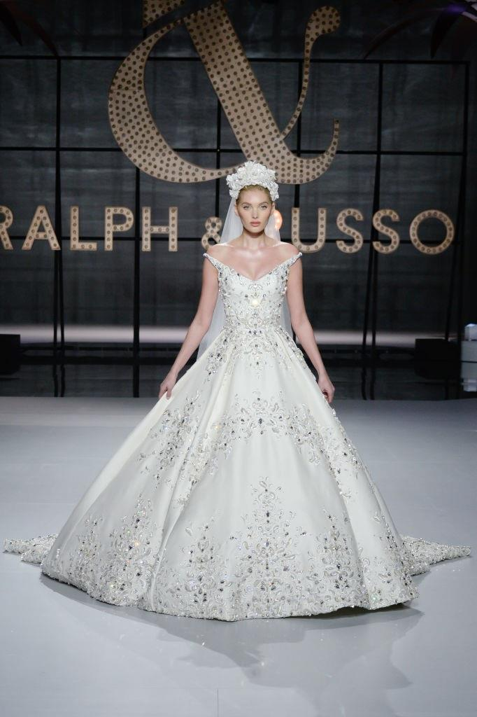 **CAPRICORN** <br><br> Like Virgo, fellow earth sign Capricorn will probably be a sensible bride—but that doesn't mean they won't have a little fun with their dress. If you're a Capricorn bride wanting something classic, try incorporating embroidery, bold size, or even an intricate headpiece. <br><br> *Pictured: Ralph & Russo couture spring/summer '19.*