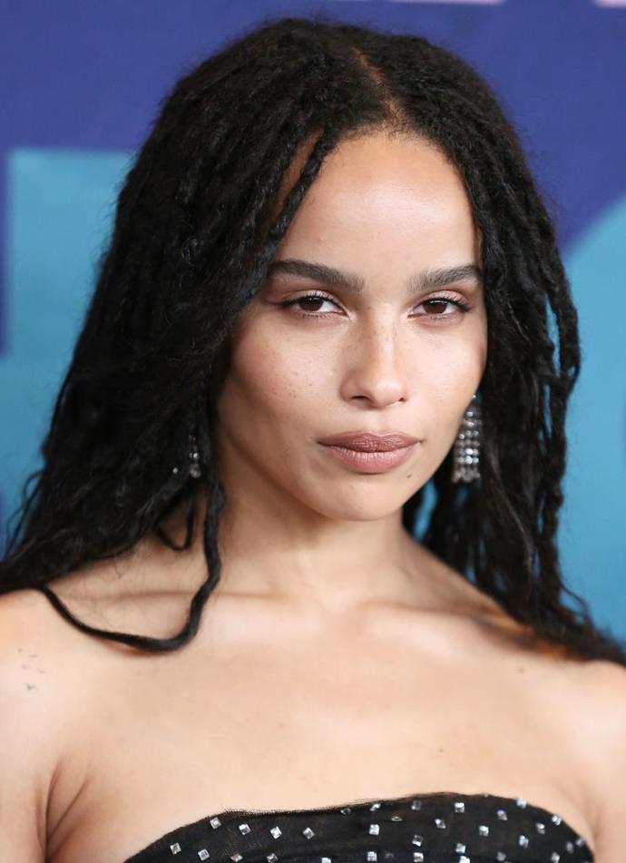"**Zoë Kravitz**<br><br>  The *Big Little Lies* actress' penchant for extremely natural-looking makeup and experimental hair (who could forget her [micro pixie cut](https://www.harpersbazaar.com.au/beauty/celebrities-pixie-hair-inspiration-18954|target=""_blank"")?) makes her something of anomaly in the realm of red carpets. Frequently photographed with her freckles uncovered and statement locks, the face YSL Beauty tends always stands out in the best way possible."