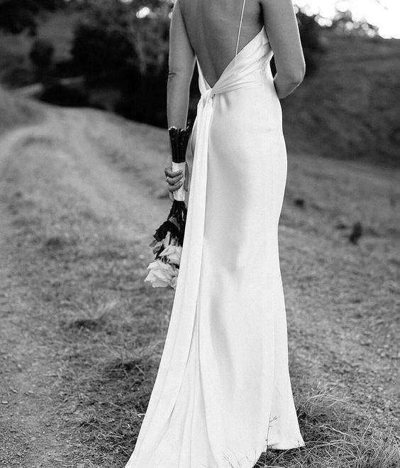 """***The slip dress***<br><br> Classic, simple and oh-so-chic, the slip dress is the perfect choice for a beach wedding—[just ask Cindy Crawford](https://www.instagram.com/p/BjXbsLaFkDT/?utm_source=ig_embed