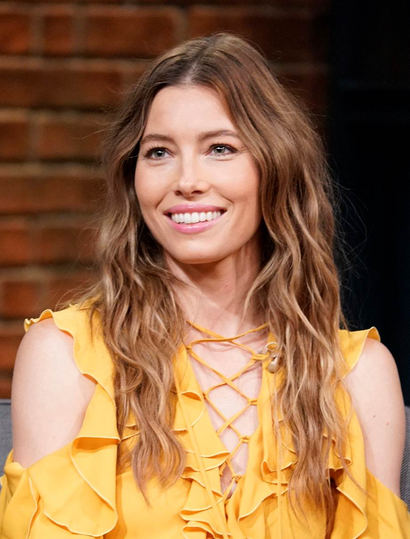 Model rambut panjang wanita 2020
