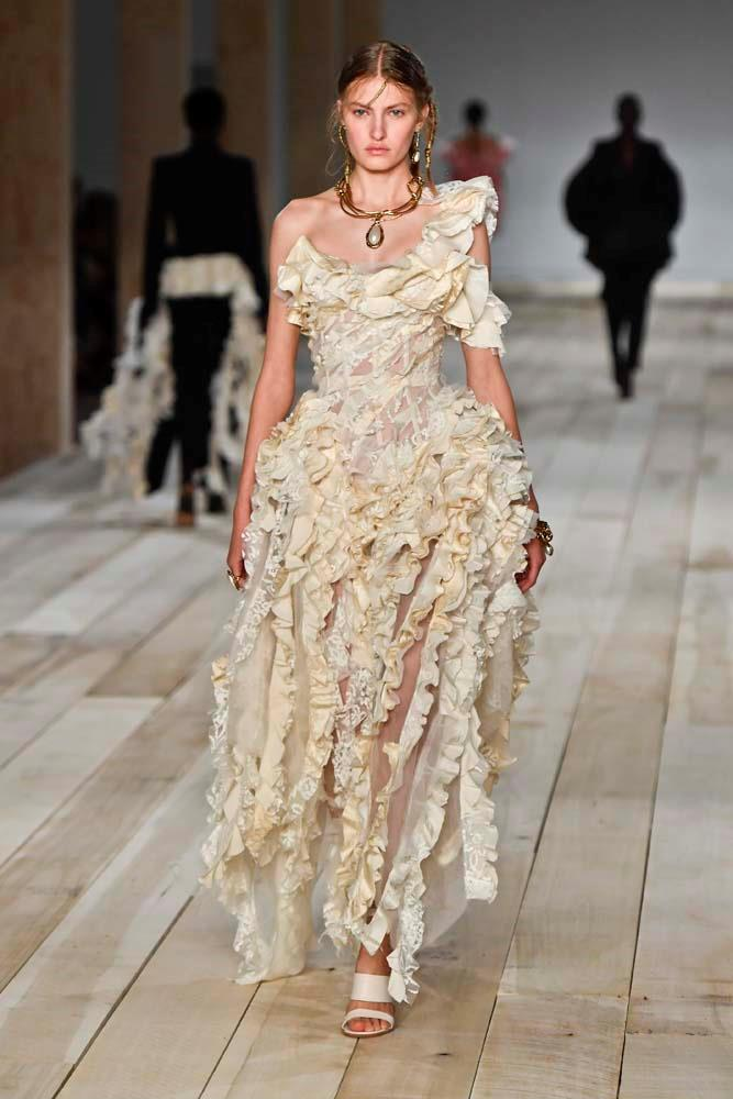 "***Alexander McQueen***<br><br> ""Everything in this show was just otherworldly beautiful. And the hair and makeup was perfection. Also file under: things I would wear to my wedding?"" Caroline Tran, fashion editor."