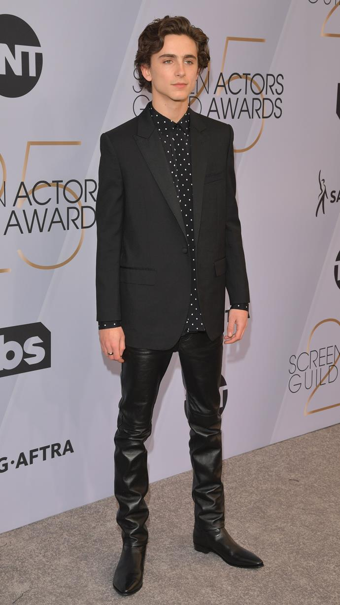 Wearing head-to-toe Celine by Hedi Slimane, including leather pants that would make Ross Geller cry. At the Screen Actors Guild Awards on January 27, 2019.