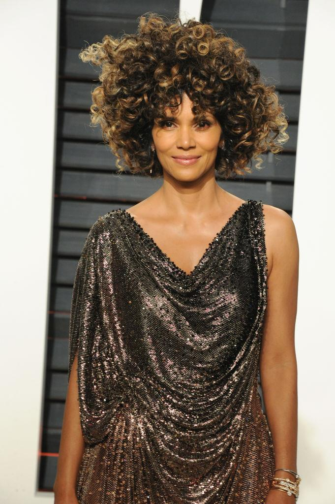 "**Halle Berry** <br><br> In November 2018, Halle Berry revealed her love for intermittent fasting via an Instagram story post. <br><br> Speaking with her personal trainer, Peter Lee Thomas, Berry revealed that she fasts most mornings and eats her first meal of the day around 2 p.m., saying: ""Not that I don't get nutrients and vitamins and minerals [during that time]... I just don't sit down and have a meal."""