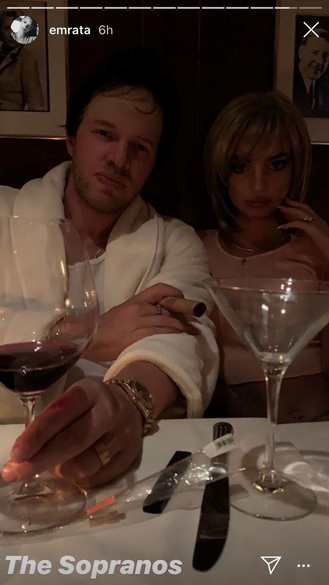 Emily Ratajkowski and Sebastian Bear-McClard as Carmela and Tony Soprano.