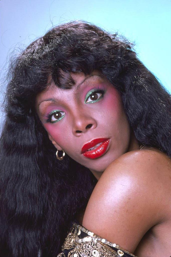 **1978: Disco makeup**<br><br>  The height of the disco era saw the return of bold, multi-hued makeup designed to make an impact, as seen here on the inimitable Donna Summer.
