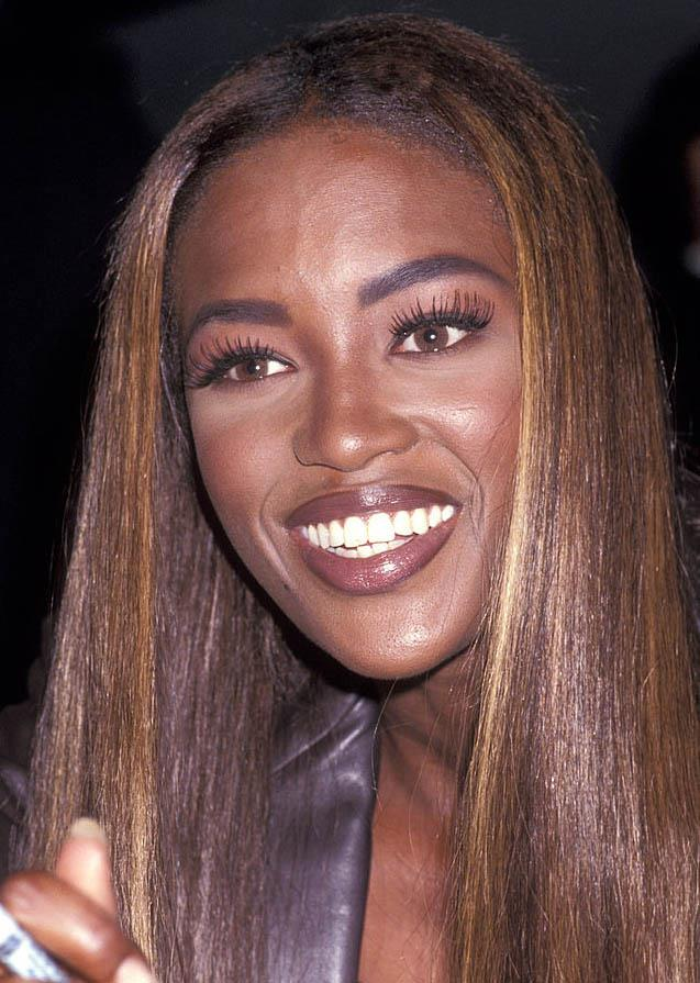 **1991: Visible lip liner**<br><br>  Visible, un-blended lip liner took over as the 'it'-trend of the early '90s, and saw everyone, including supermodel Naomi Campbell, line their lips three to four shades darker than their lipstick of choice.