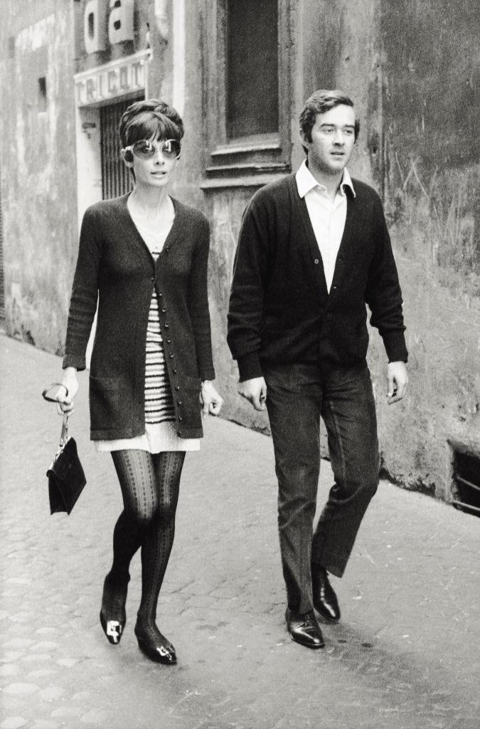 Audrey Hepburn and Andrea Dotti's classic cardigan combinations in 1970.