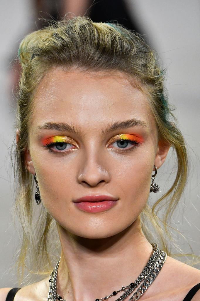 "**COLOUR-BLOCKED MAKEUP**<br><br>  One of the [most popular beauty trends in history](https://www.harpersbazaar.com.au/beauty/makeup-trends-through-history-19531|target=""_blank""), 1984's colour-blocked makeup is making a triumphant return in 2020. Comprised of two or more contrasting hues placed right next to one another, this look took over the spring 2020 runways of Oscar de la Renta, Nicole Miller (pictured), Christian Siriano and Antonio Marras, among several others."