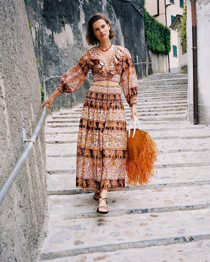 """**What should you wear to a wedding with a 'beach formal' dress code?**<br><br>  *A BOLD PRINT*<br><br>  *Image via [@zimmermann](https://www.instagram.com/p/B0xiVltJgE-/