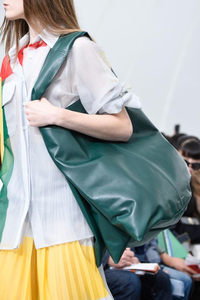 """**Celine's huge rectangle totes (2017)** <br><br> Before Celine was given a whole new look by Hedi Slimane (and before the famous 'É' was cut from the name), creative director [Phoebe Philo](https://www.harpersbazaar.com.au/culture/philophile-meaning-17802