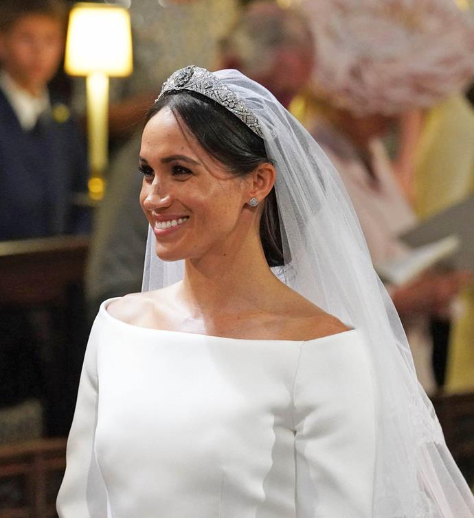 "**Meghan Markle's low-bun and face-framing strands**<br><br>  Meghan Markle's stray face-framing strands became the [talk of Twitter](https://www.harpersbazaar.com/beauty/hair/a20754332/meghan-markle-royal-wedding-stray-hair/|target=""_blank""