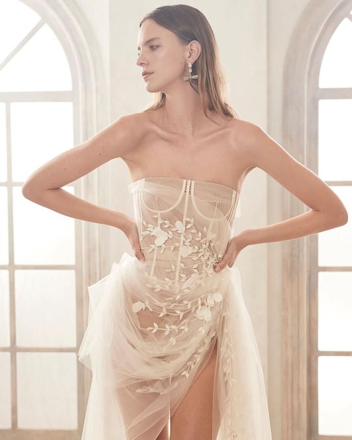 "**The Return Of The Corset**<br><br>  The reemerging [corset trend](https://www.elle.com.au/fashion/corset-trend-21305|target=""_blank"") has officially graduated from its street style status and entered bridal territory. Layered beneath gossamer laces and embellished accents, exposed boning and contoured lines will feature on frothy princess gowns and sleek silhouettes alike.<br><br>  *Image via [Oscar de la Renta](https://www.instagram.com/p/B30FOw8AYjX/