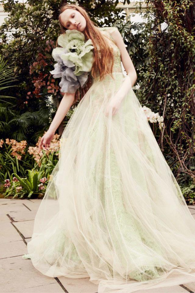 "**Cool Pastels**<br><br>  Also on the nontraditional side, [pastel-coloured gowns](https://www.harpersbazaar.com.au/bazaar-bride/blue-wedding-dress-inspiration-18017|target=""_blank"") in cool hues are going to be *de rigueur* in 2020. Soft shades of [pistachio](https://www.elle.com.au/fashion/pistachio-green-20700