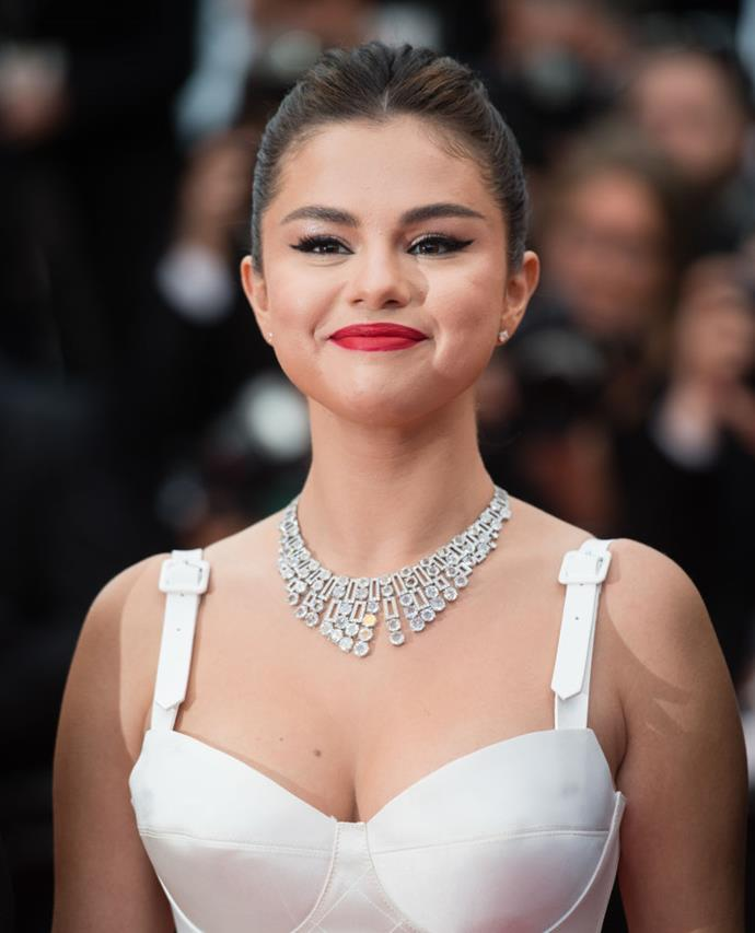 **2. Selena Gomez**<br><br>  Singer Selena Gomez reportedly made USD $8 million (AUD $11.45 million) via her Instagram account in 2019. She allegedly charged USD $886K per post (AUD $1.2 million) and shared a total of nine paid posts in 2019.