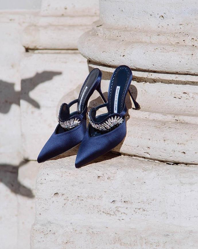 """***What sort of shoes should you wear to a white tie wedding?***<br><br>  """"Opt for a striking stiletto or pumps with tasteful embellishments,"""" Nina advised.<br><br>  """"We're talking the pointiest of heels you can get your velvet gloved hands on. A solid coloured shoe is preferred. Keep it sophisticated.""""<br><br>   *Image via [@isabellath](https://www.instagram.com/isabellath/