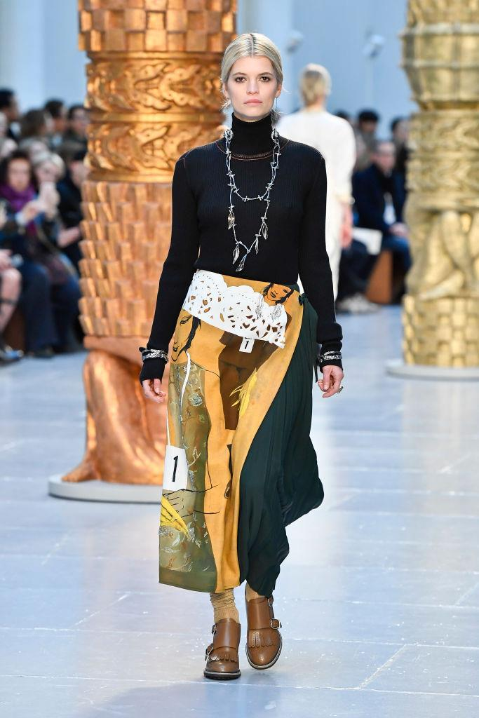 **Chloé** <br><br> With her penchant for eclecticism, Natacha Ramsay-Levi continued her winning streak at Chloé by mixing unexpected materials, contrasting patterns, hand-drawn illustrations and a dedication to a netural, earthy colour scheme. The result? A thoroughly wearable collection.