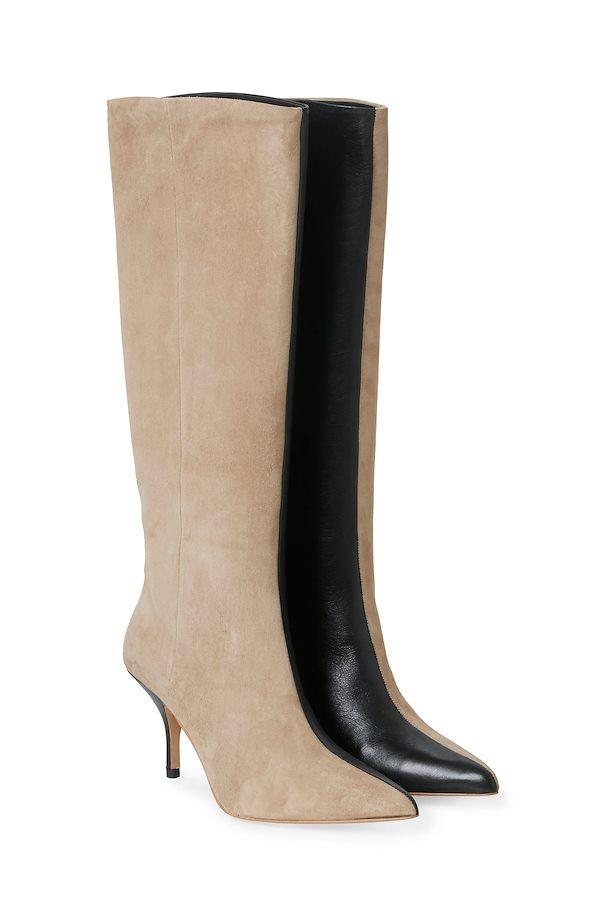 "**'Celiagz' boots by Gestuz, approximately AUD $642 at [Gestuz](https://www.gestuz.com/en-en/gestuz-footwear-10904152|target=""_blank""