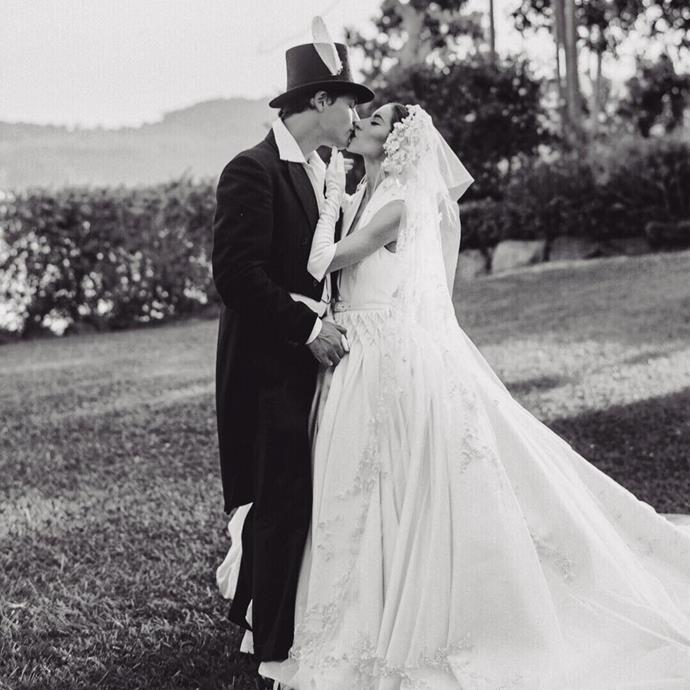 """**Lisa Origliasso**<br><br>  The Veronicas' Lisa Origliasso wearing her J'Aton Couture gown at her 2018 Sunshine Coast wedding to actor Logan Robert Huffman.<br><br>  *Image via [@lisa_veronica](https://www.instagram.com/p/BrqoHHolZoe/ target=""""_blank"""" rel=""""nofollow""""), photography by [@joewillis](https://www.instagram.com/joeywillis/ target=""""_blank"""" rel=""""nofollow"""")*"""